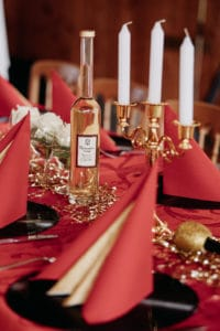 rot, gold, Mottoparty, Hollywood, elegant, Kerzenleuchter gold, Location, Eichberger